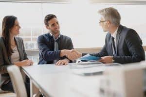 מה ההבדל בין יועץ משכנתאות פרטי ליועץ בנקאי